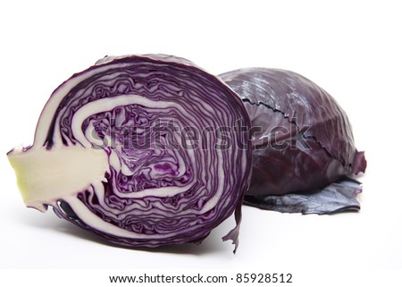 Red cabbage halves