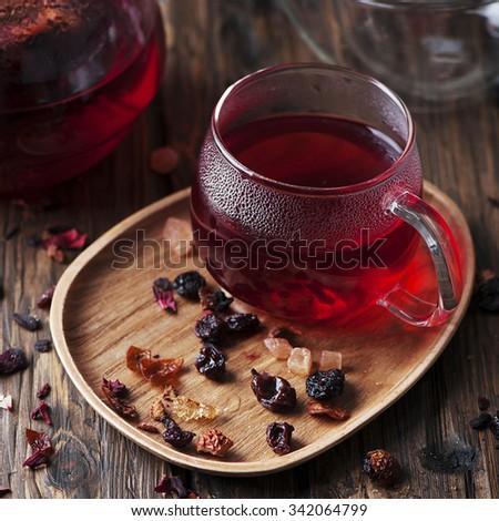 Чай и сухофрукты  № 674235 загрузить