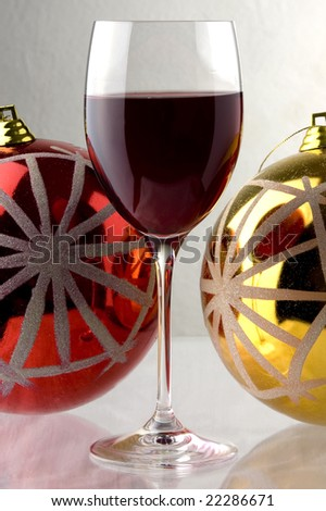 red wine and Christmas decoration