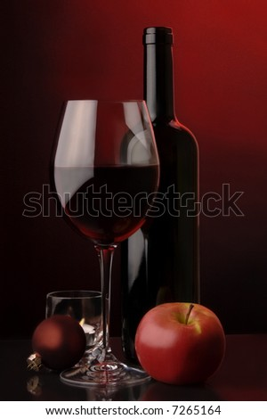 red wine apple glass bottle  christmas tree`s decoration