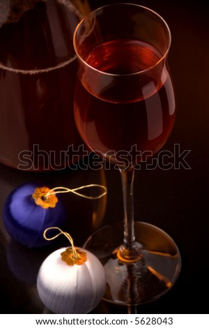 red wine glass and jug details christmas decoration