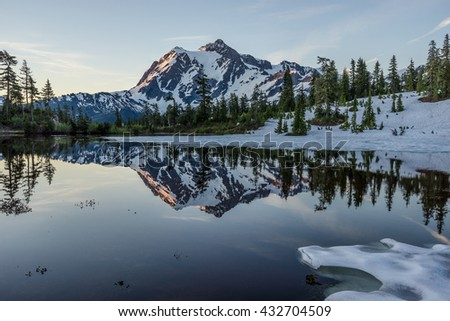 reflection of Mountain