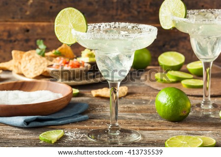 Refreshing Homemade Classic Margarita with Lime and Salt