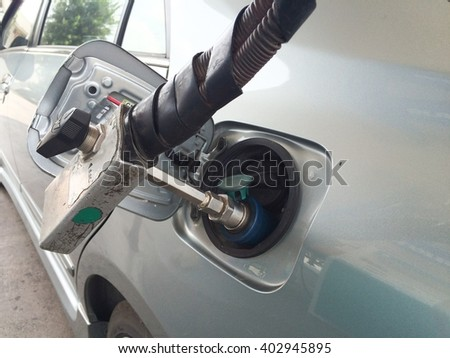 Refueling with natural gas, Filling station