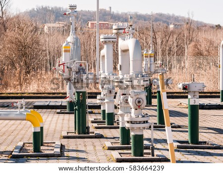 Regulating station with pressure relief valves, instrumentation and pressure regulating valves and pipes.