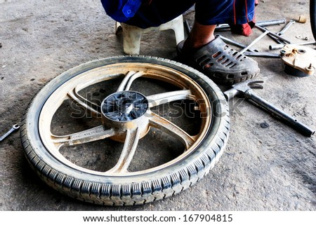 Repair damaged wheel motorcycle