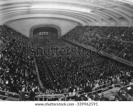 Republican Convention in session in the Public Auditorium, Cleveland, Ohio, June 10-12, 1924. The Public Auditorium opened in 1922 and hosted the first National Political Convention in Cleveland's his - stock photo