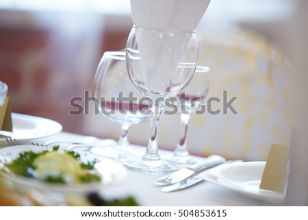 restaurant tableware