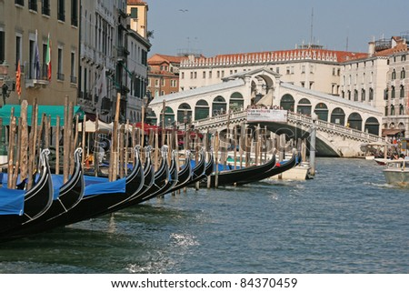 rialto bridge and grand canal with boats, venice, italy, europe