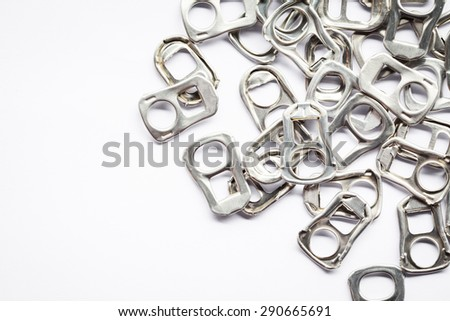 Ring pull aluminum of cans, use make artificial legs