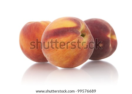 Ripe yellow-flesh peaches.