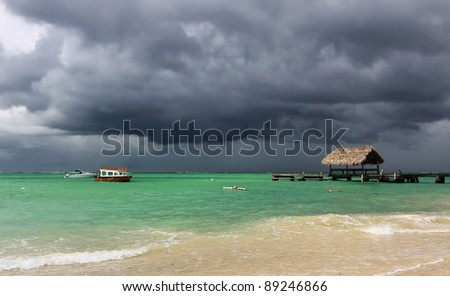 Rising thunder storm at Pigeon Point (Tobago, West Indies)