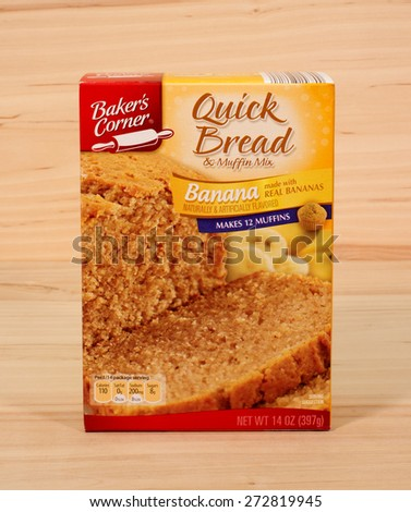 RIVER FALLS,WISCONSIN-APRIL 26,2015: A box of Baker's Choice Banana quick bread and muffin mix. Baker's Corner products are sold at Aldi stores. - stock photo