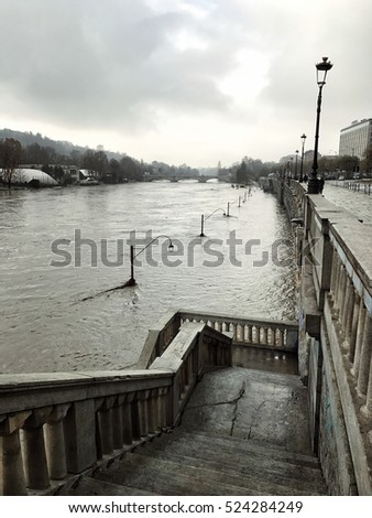 River Po bursts its banks in Turin