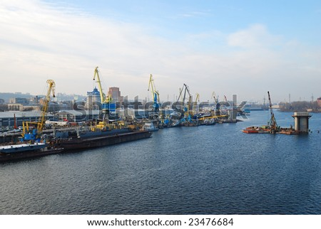 river port and cranes