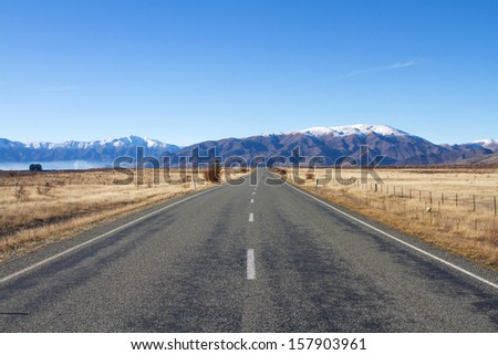 Road in South Island of New Zealand.