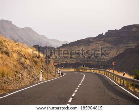 road through the mountains of Gran Canaria