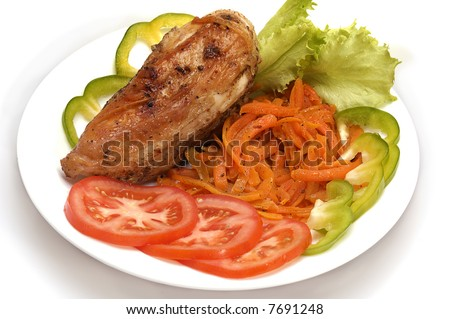 roasted chicken & carrot with slices of  tomatoes, green pepper, lettuce