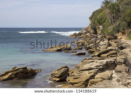 Rocky coastline, Gordon's Bay, NSW, Australia