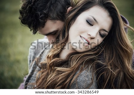 she sexy biting his lip