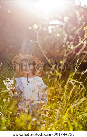 Romantic summer girl painting nature relaxing outdoors. Sunshine, copy space - stock photo