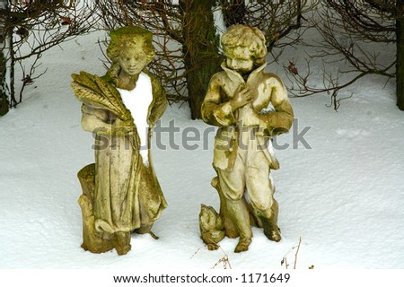 Romeo and Juliet garden statues - stock photo
