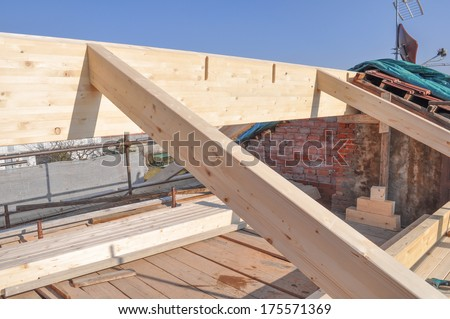 Roof construction in a building site area