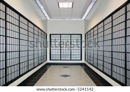 Room with po boxes - Symmetry