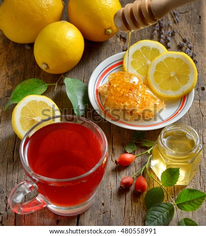 Rosehip tea with lemon and honey