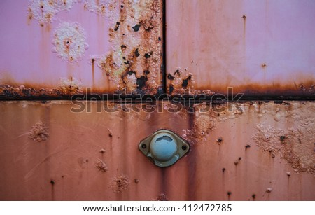 Rust steel surfaces pink