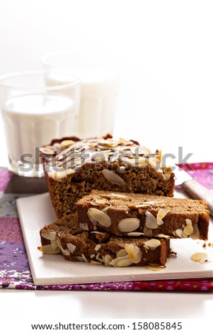 Rye cake with apples and almonds