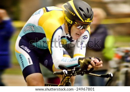 SACRAMENTO, CA - February 14, 2009: Lance Armstrong's debut return to cycling at the Amgen Tour of California time trials in Sacramento on Feb. 14, 2009. - stock photo