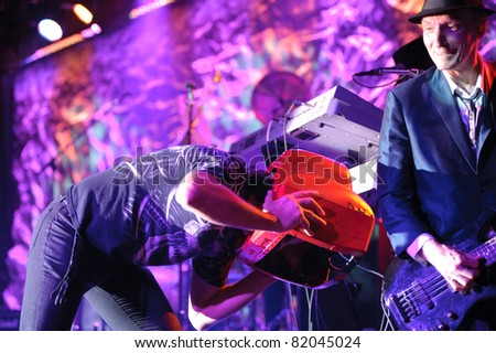 SACRAMENTO, CA - JULY 29: Fee Waybill and Rick Anderson of The Tubes perform at Thunder Valley Casino and Resort in Lincoln, California on July 29, 2011
