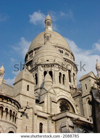 Sacre Coeur - blue sky with clouds