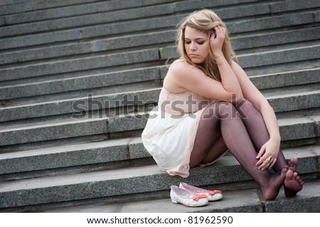 With how sad steps, O Moon, thou climb'st the skies!