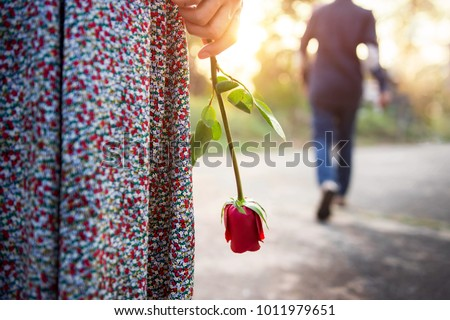[fb] les angélus // jola&monsiame Stock-photo-sadness-love-in-ending-of-relationship-concept-broken-heart-woman-standing-with-a-red-rose-on-hand-1011979651