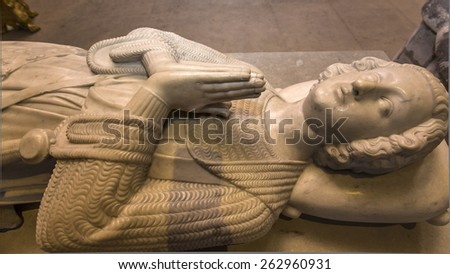 SAINT-DENIS, FRANCE â?? FEBRUARY 12, 2015 : Recumbent statue of  king Robert II le pieux,  in basilica of saint-denis,  necropolis of french monarchs, February, 12, 2015 in Saint-Denis, France.