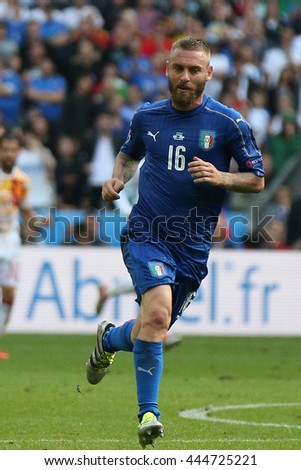SAINT DENISE- FRANCE,  JUNE 2016 :  De Rossi in action during football match  of Euro 2016  in France between ITALY VS SPAIN at the Stade DE FRANCE on June 22, 2016 in  SAINT DENISE