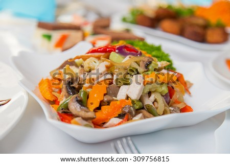 Salad plate with meat and vegetables