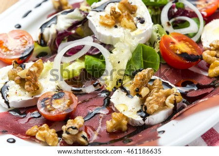 Salad whit smoked meat