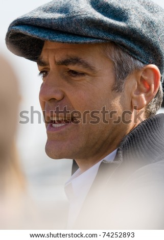 SALISBURY, NC - MARCH 26:  Actor George Clooney greets fans at the historic train station in Salisbury, NC on March 26, 2008 as part of the Whistle Stop tour promoting Leatherheads