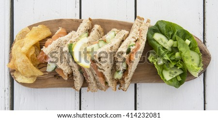 Salmon and cuecumber sandwhiches
