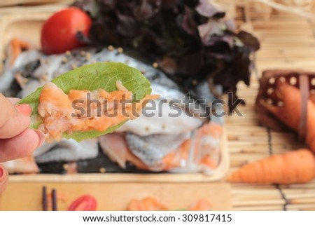 Salmon head for cooking and fresh salmon fillets