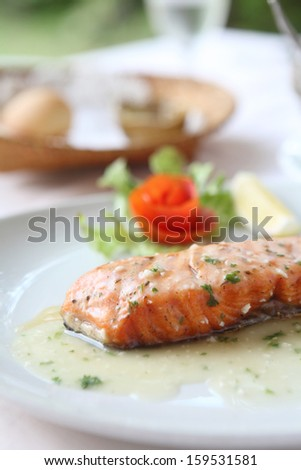 salmon steak with lemon sauce