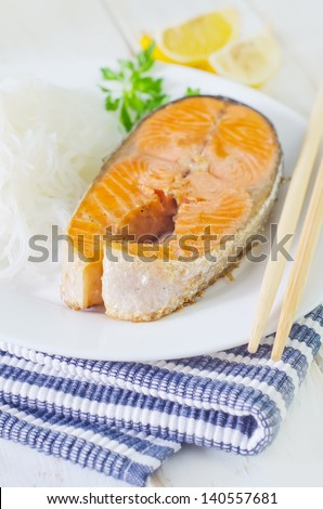 salmon with rice noodle