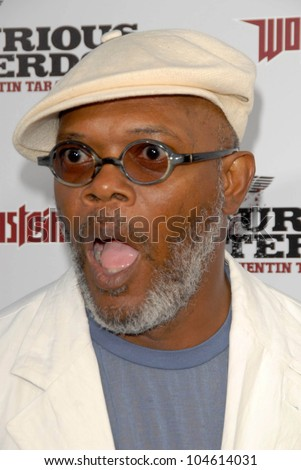 Samuel L. Jackson at the Los Angeles Premiere of 'Inglourious Basterds'. Grauman's Chinese Theatre, Hollywood, CA. 08-10-09 - stock photo