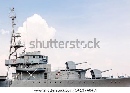 Samutprakan,Thailand-November 10:HTMS Mae Klong warship war retired and Navy has improvenment as a museum battership to visit at Phra Chulachomklao Fort on November 10,2015 in Samutprakan,Thailand - stock photo