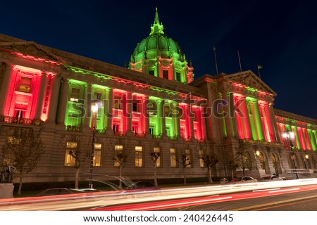 San Francisco City Hall in Christmas Green and Red Colors, Lights