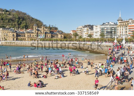 San Sebastian, Donostia, Gipuzkoa, Basque country, Spain-November 08, 2015: people on the beach in San Sebastian.