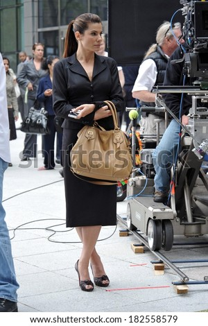 Sandra Bullock, carrying a Prada bag, on location for THE PROPOSAL Films in New York, downtown Manhattan, New York, NY, June 06, 2008